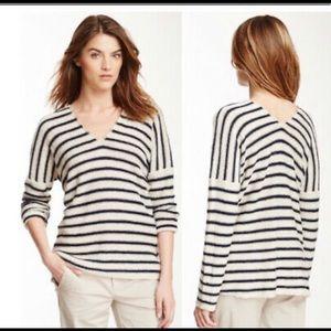 Vince M 100% linen slub stripe navy cream sweater